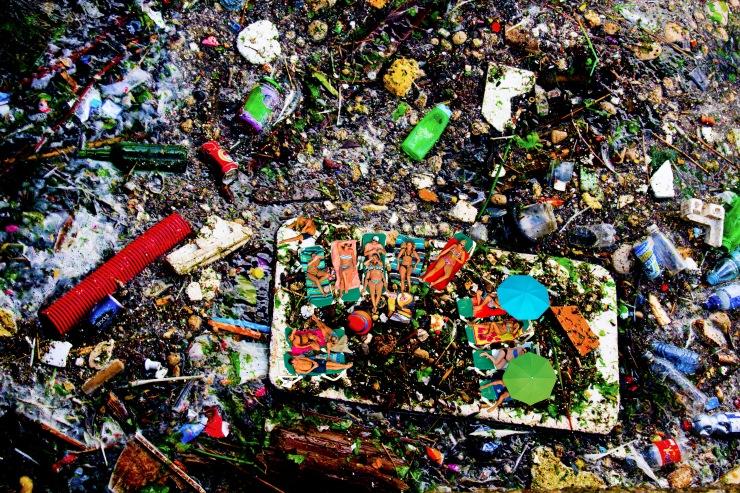 bathing, plastic waste, garbage, litter, afval, strand, baden, weelde